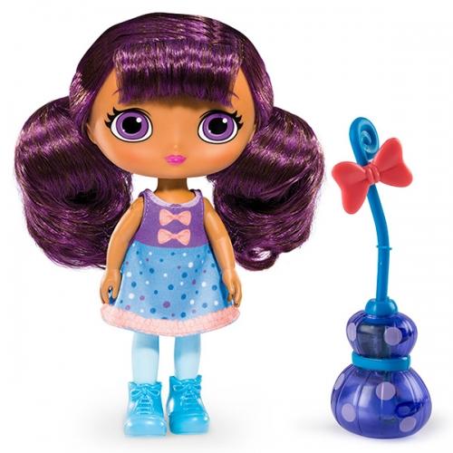 Little Charmers Кукла 20 см с метлой (свет и звук) (в ассорт.)